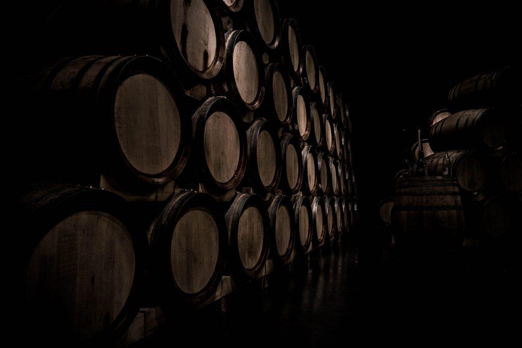 La barrica y el vino